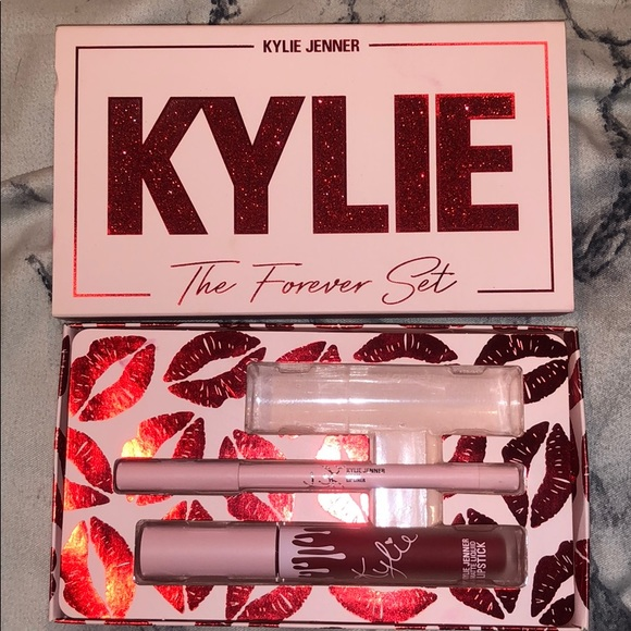 Kylie Cosmetics The Forever Set